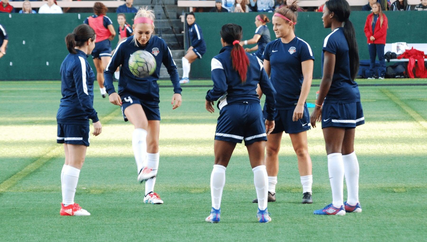 """184239659 6dabf6a7 b0da 4b54 831f 77ca0ada5ab8 - La squadra delle ex """"First Daughters"""": Chelsea Clinton e Jenna Bush puntano sul calcio femminile"""
