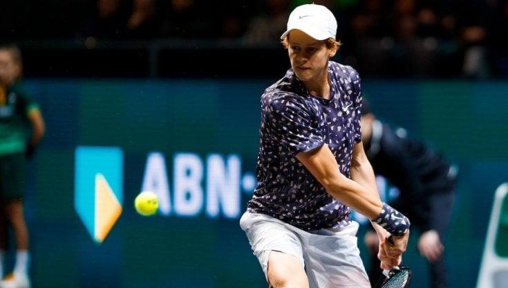 Tennis, Sinner fuori allesordio a Montpellier. Sonego ai quarti