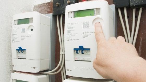 Energia: un italiano su tre cambia fornitore quasi ogni anno