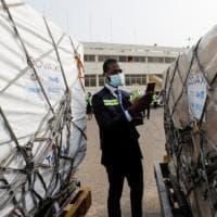 Vaccini, in Africa le prime dosi del programma Covax
