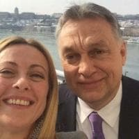 """FdI, Orbán scrive a Meloni: """"Collaboriamo, abbiamo una visione comune del mondo: lottiamo..."""