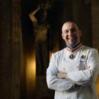 Lo chef di Macron lascia l'Eliseo, sarà ambasciatore della cucina francese nel mondo
