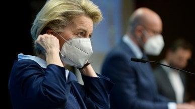 Covid, Ue in pressing sul pass vaccinale. Von der Leyen: Proposta entro marzo per tornare a viaggiare. Il Garante della privacy: Serve una legge nazionale