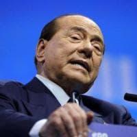 """Covid, il pressing del centrodestra per l'ok al vaccino Sputnik. Berlusconi: """"Funziona..."""