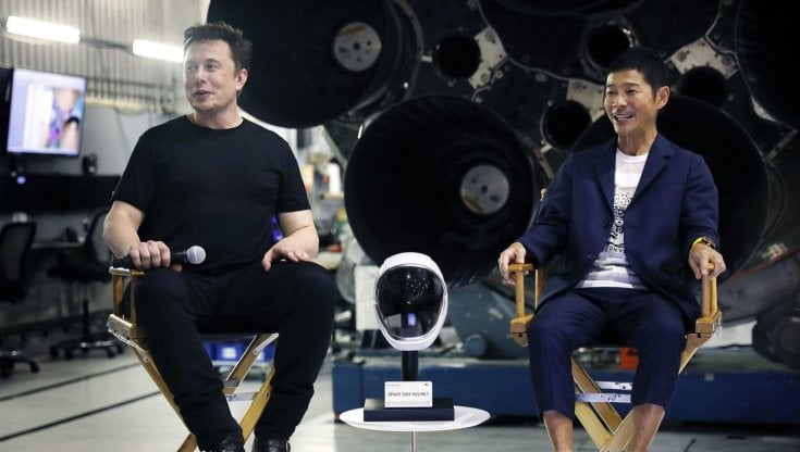 Viaggio intorno alla Luna: il miliardario giapponese cerca 8 compagni da tutto il mondo