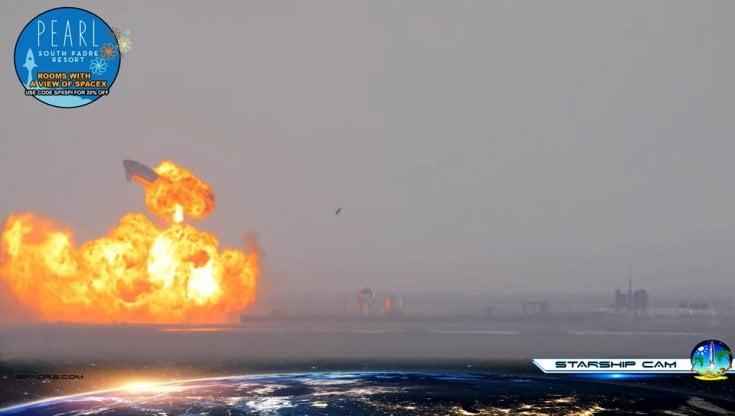 Spazio, test fallito per Elon Musk: il prototipo del razzo Starship esplode dopo...