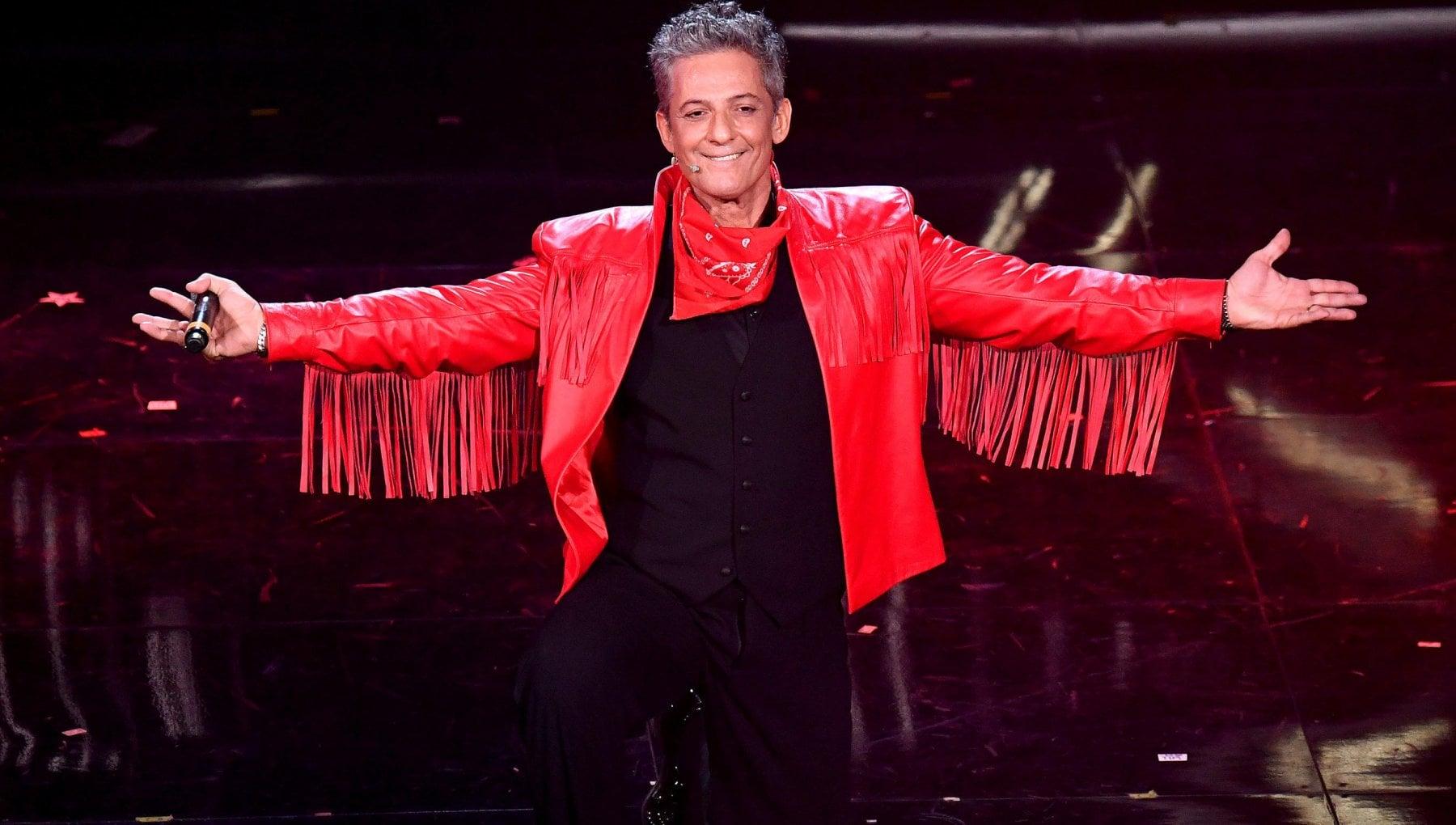 Sanremo 2021, l'omaggio di Fiorello a Little Tony - la Repubblica