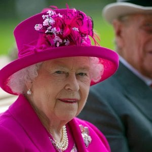 """111036055 592c4607 7db6 414b a508 3906c6495b39 - La Regina Elisabetta: """"Addolorata per le difficoltà di Harry e Meghan, preoccupante la questione del razzismo"""""""