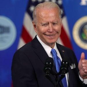 """123605633 4890a391 514f 4e89 ab3a 2776a42a6438 - Usa, Biden firma il piano di aiuti per il Covid: """"Cruciale per ricostruire la spina dorsale di questo Paese"""""""