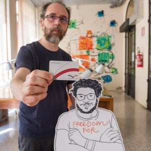 """220713533 d30e9576 1536 4615 b7e4 36c7cae80a61 - Egitto, Zaky in carcere da 400 giorni. Letta: """"Patrick cittadino italiano ed europeo"""""""