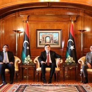 172140509 3b1e6abc 086a 4763 9ff4 0cf53111b278 - Libia, nell'inferno di Tarhuna 7 fratelli hanno seminato l'orrore: funerale collettivo per le 183 vittime nelle fosse comuni