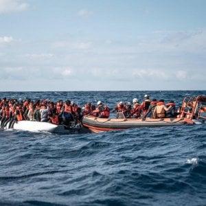 223742664 3a78cdff e12c 4afc b5b0 d5e18a766705 - Libia, nell'inferno di Tarhuna 7 fratelli hanno seminato l'orrore: funerale collettivo per le 183 vittime nelle fosse comuni