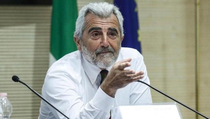 """Scuola, ipotesi tamponi al primo giorno della settimana. Il Lazio: """"Se torneremo..."""