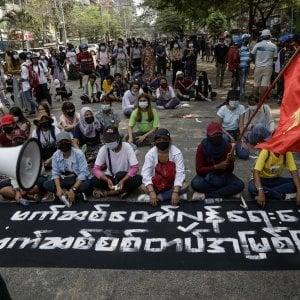 133205874 fc5c900f 9d0f 4119 8a9e 7f388b311d4f - Myanmar: ministri della Difesa di 12 Paesi condannano la strage dei dimostranti