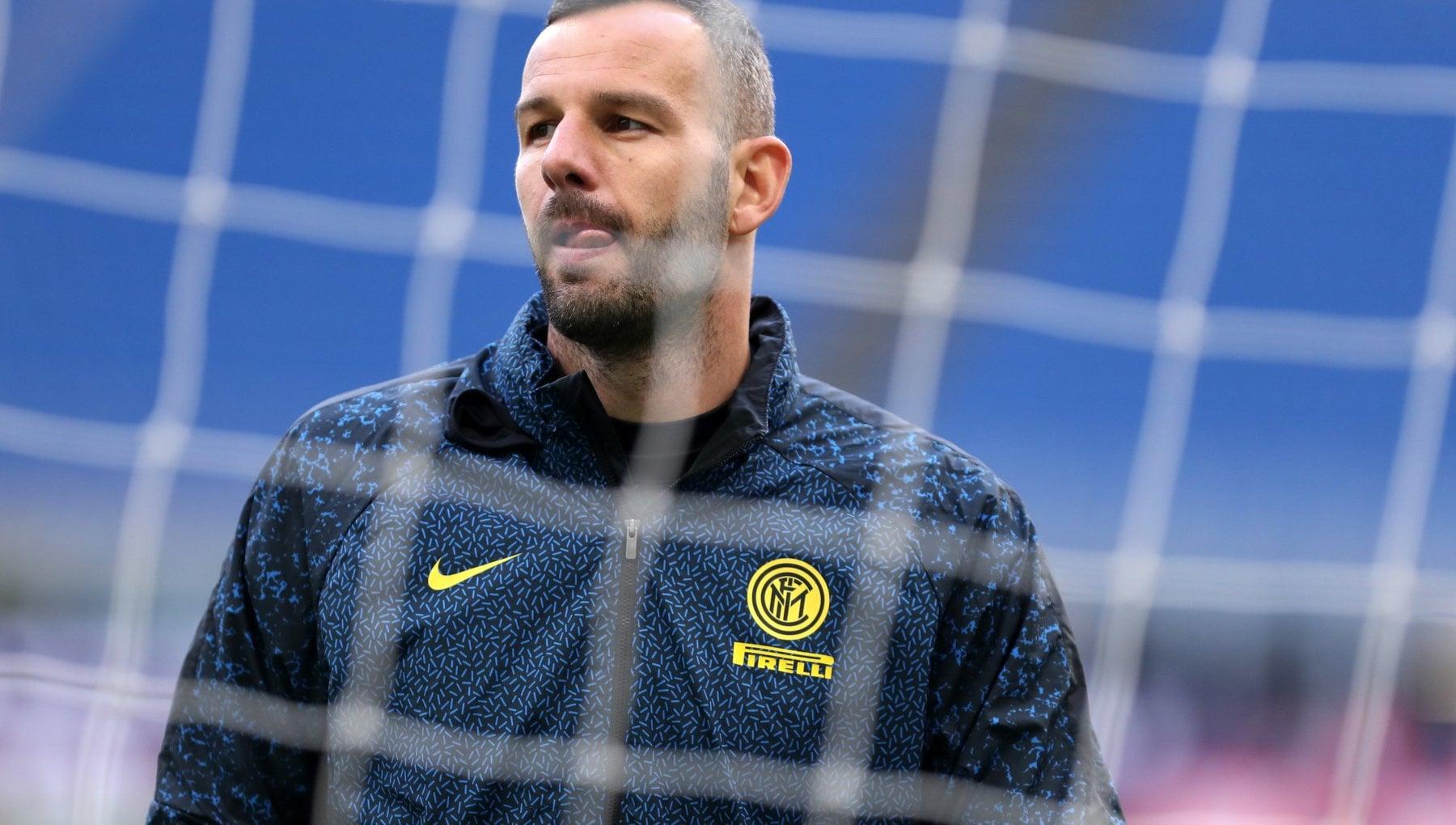 Inter, un sorriso per Conte: Handanovic è guarito dal Covid