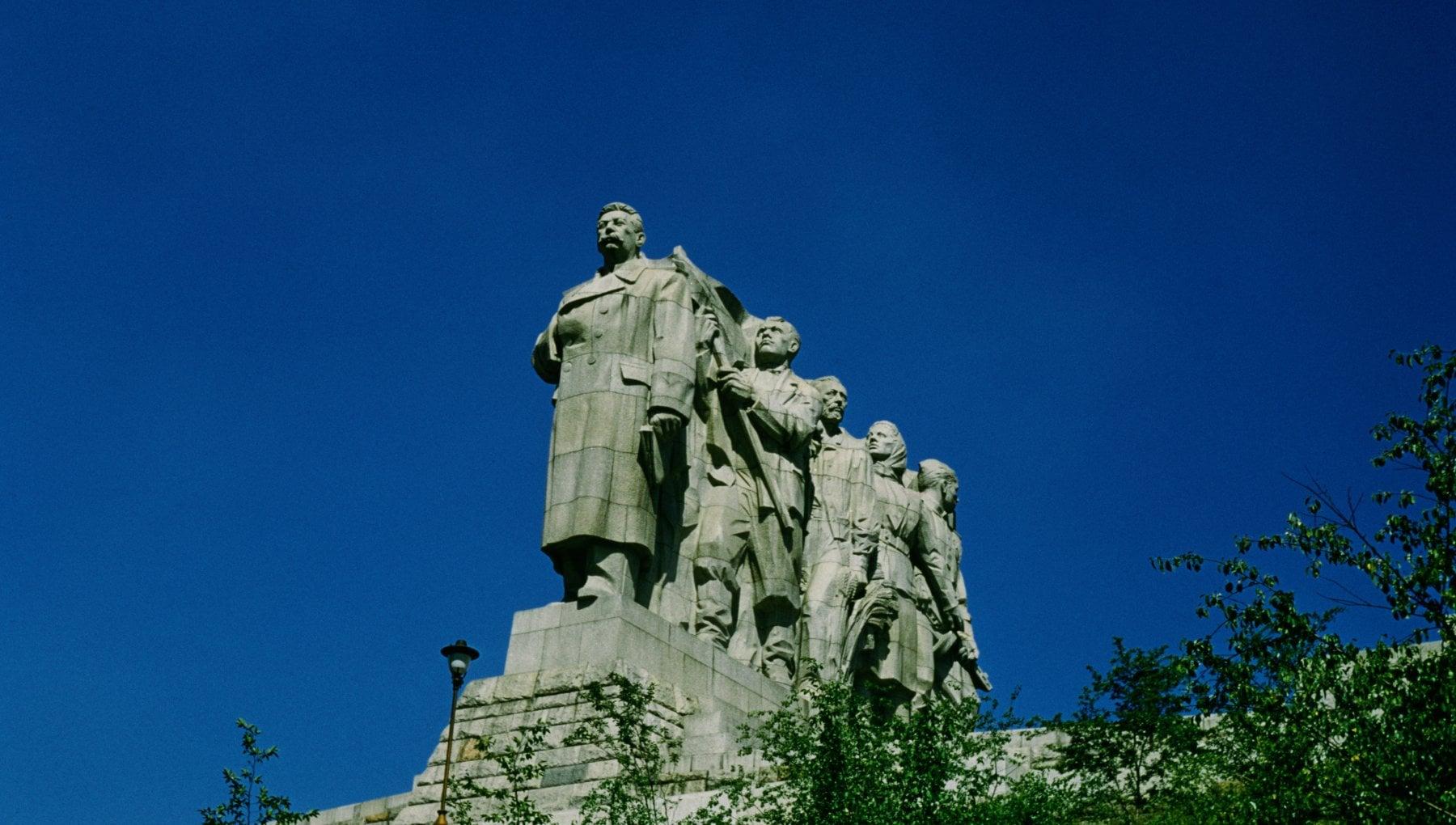 180013292 048b1e54 ead5 471e b353 779e02c1db94 - Praga, scoperti per caso i resti del gulag dei deportati che costruirono la statua di Stalin