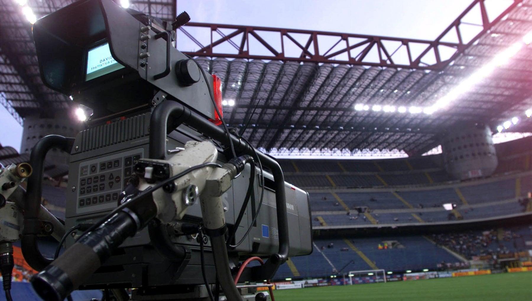 Diritti tv, Sky resta senza Serie A (per ora): servirà un nuovo bando