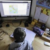 Scuola, la corsa a cablare istituti e abitazioni per una dad senza intoppi