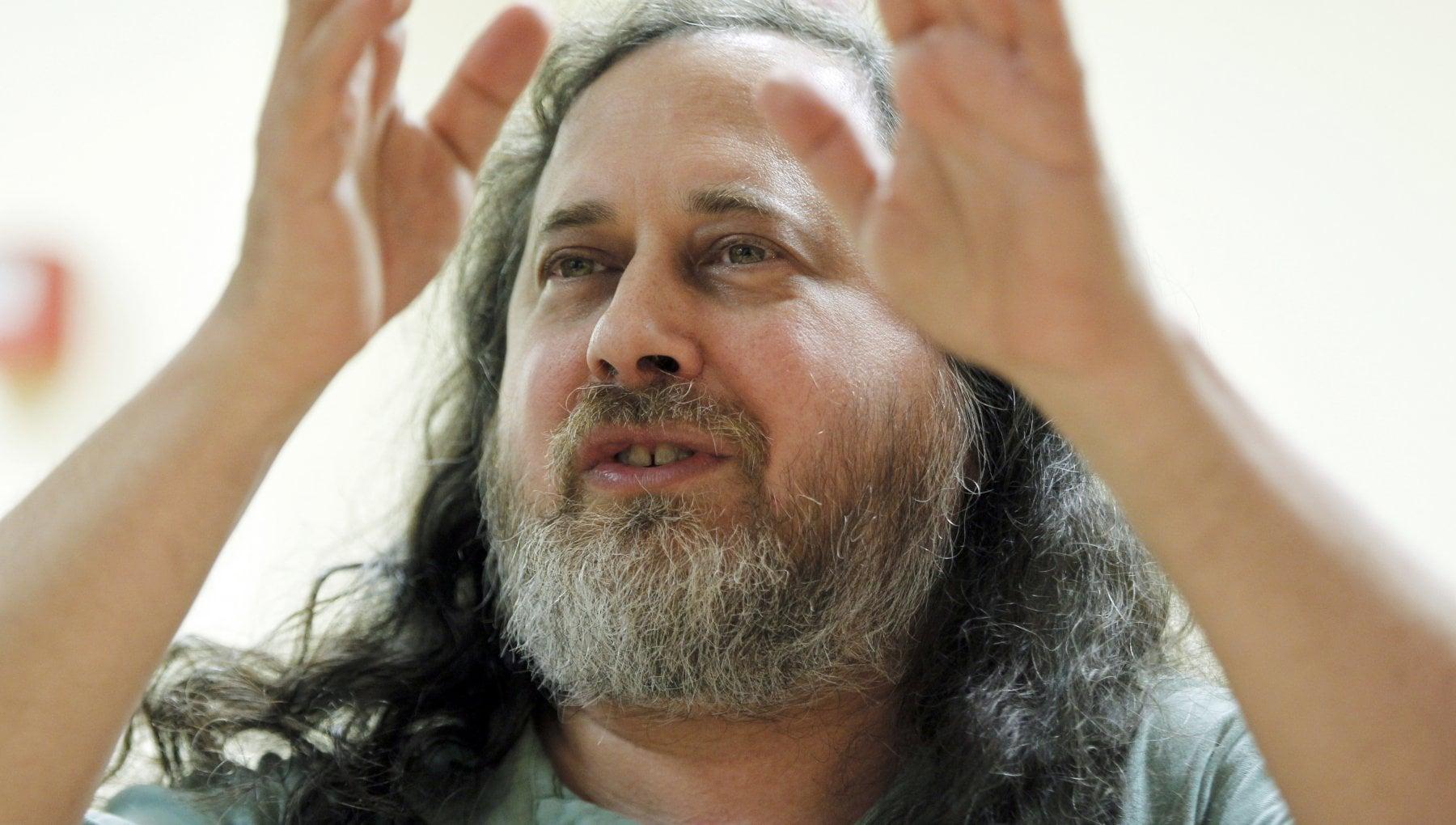 """Il mondo del software libero si divide sulle accuse al suo """"guru"""" Richard Stallman"""