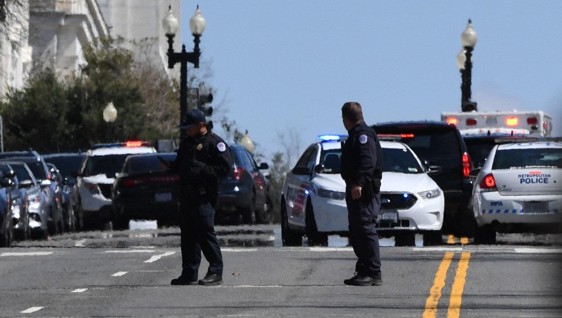195211757 47cdcbf3 05bc 4062 83bc dfd4a18f099f - Washington, auto travolge due agenti vicino al Congresso. Morto un poliziotto e il conducente Noah Green