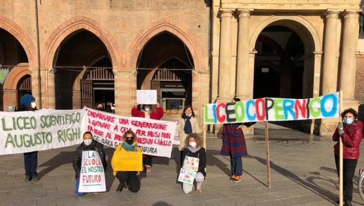 Scuola, ritorno in classe tra le proteste per due studenti su tre