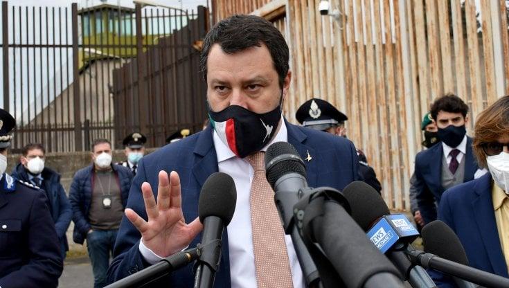 Vaccini, Salvini attacca Zingaretti: