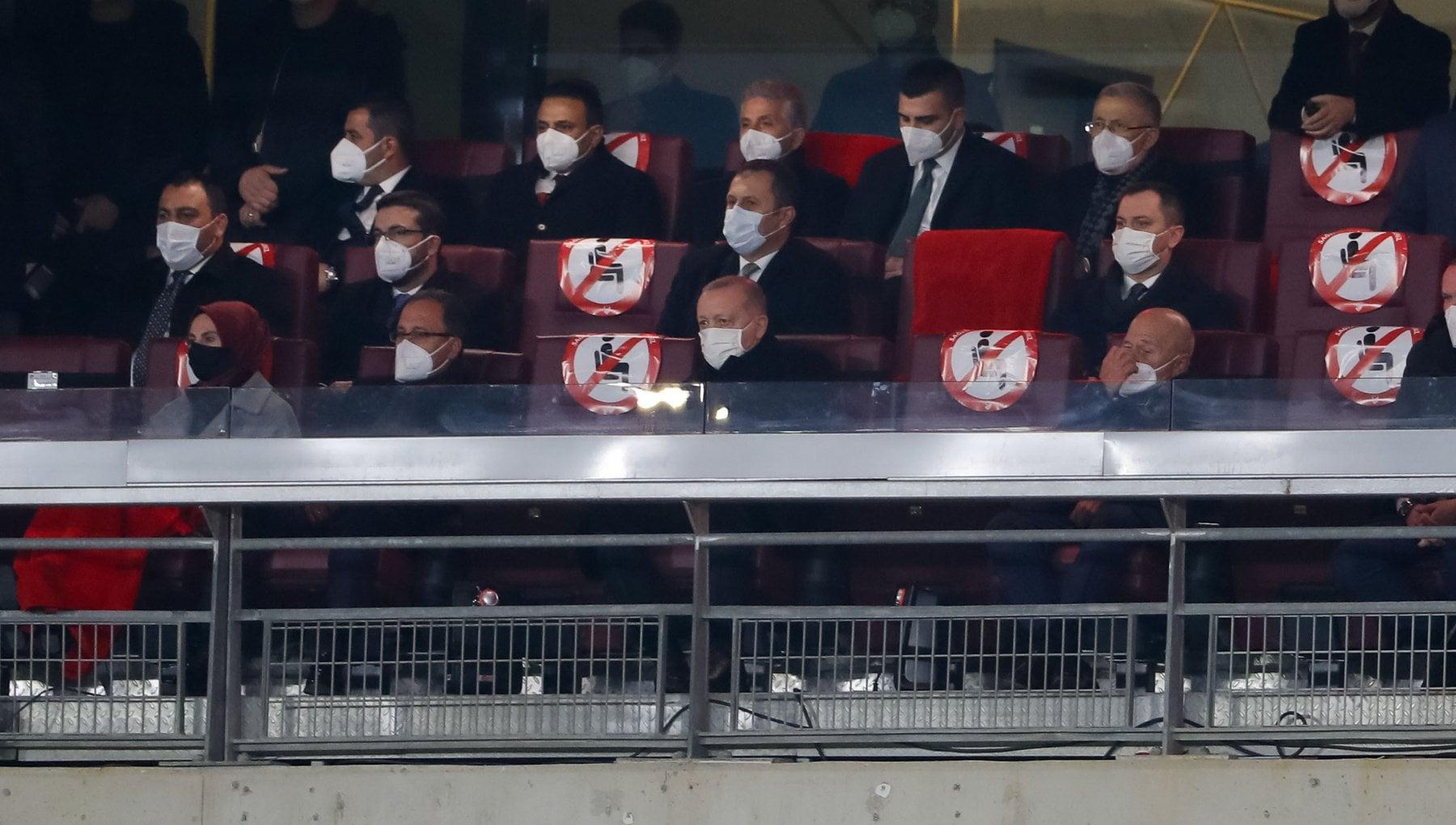 La crisi diplomatica fra Erdogan e Draghi diventa un braccio di ferro sugli Europei di calcio: Istanbul vuole…