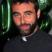 """Perugia, l'annuncio di don Riccardo ai fedeli: """"Mi sono innamorato, lascio la parrocchia"""""""