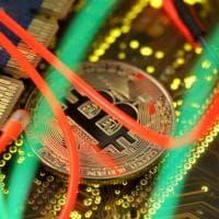Coinbase si prepara per il Nasdaq e scalda il Bitcoin: la cripto-valuta a livelli record,...