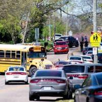 Usa, sparatoria con un morto in un liceo in Tennessee. Fermato un minorenne