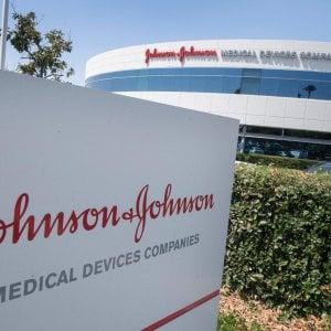 160731135 72de21f1 2e2c 4d88 bbde 7b3f767fab14 - Vaccini, in Usa rinviata la decisione su Johnson & Johnson: servono nuovi dati, verso altri 7-10 giorni di stop