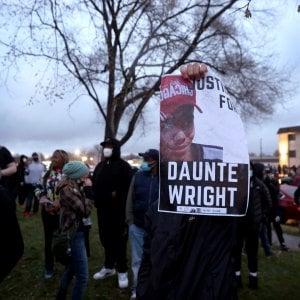 210215512 ec692f54 8dfe 4ffa 8c14 026555b7edc1 - Minneapolis, arrestata la poliziotta che ha ucciso Wright: è accusata di omicidio di secondo grado