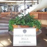 Covid, pranzo con politici in Sardegna: nella lista dei nomi medici, ingegneri e militari