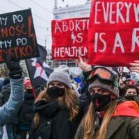 Polonia, in piazza tutte le parole e i simboli della protesta