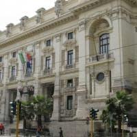 Presunta corruzione a scuola, la dirigente del ministero accusata tenta il suicidio: è...