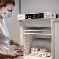 Coronavirus, il boom di acquisti di vaccini dietro alla scelta del governo danese di dire...