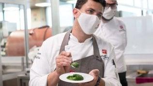 Pochi piatti ma ben fatti: la ristorazione del futuro tra qualità e riduzione dei costi