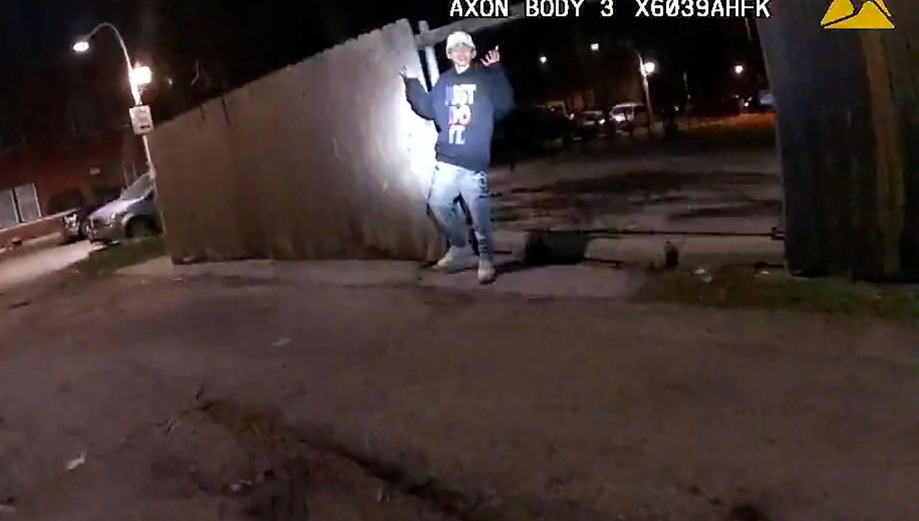054216995 b705e466 2142 415a 88be b70403d90c2c - Usa, un video mostra un agente sparare a un 13enne che alza mani