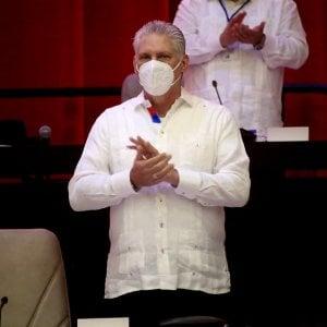 """181753227 1457b498 cb7b 4c5f ac07 ec6ca5b541fb - Migliaia in piazza a Cuba: """"Abbasso la dittatura"""""""