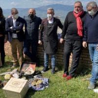 """Covid e riaperture, i ristoratori """"invitano"""" Draghi a pranzo: sit-in enogastronomico..."""
