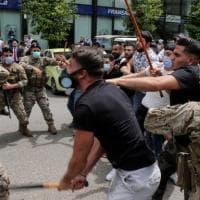 Cento miliardi di dollari bloccati nelle banche: così viene strangolato il Libano