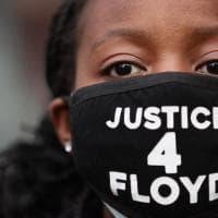Processo Floyd, l'agente Chauvin condannato per omicidio