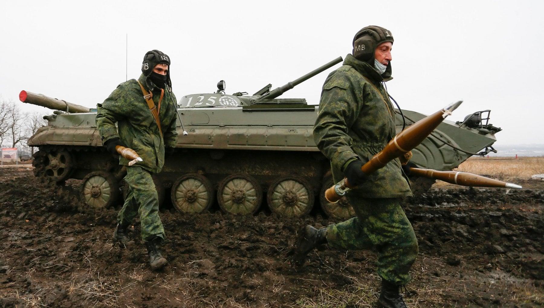 212112708 acaedab2 093a 46c6 a77d c5d56d655142 - Russia, Putin smobilita le truppe al confine con l'Ucraina e invita Zelenskij a Mosca