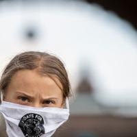"""Clima, Greta Thunberg contro Boris Johnson: """"Sì, sono una che abbraccia i coniglietti"""""""