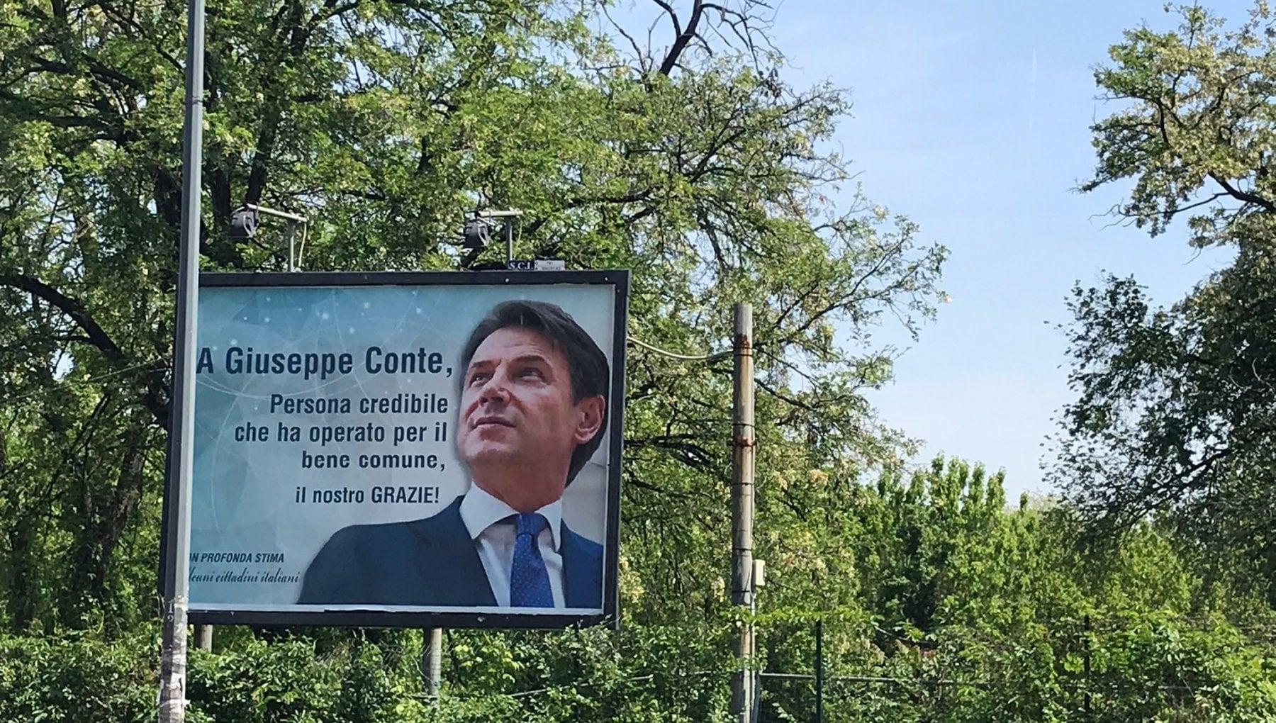 A Milano spunta il cartellone dei fan di Conte - la Repubblica