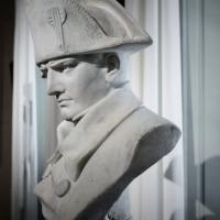 Il bicentenario di Napoleone, Macron lo commemora, ma la Francia è spaccata sulla memoria...