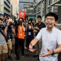 Hong Kong, veglia per Tienanmen: l'attivista Josha Wong condannato a 10 mesi