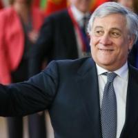 """Forza Italia, Tajani: """"Una famiglia senza figli non esiste"""". Reazioni da Pd e M5S: """"Fi è..."""