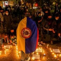 Colombia, proiettili sulla folla, persone sparite e stupri in carcere. Sangue