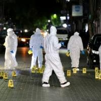 Maldive, attentato all'ex presidente difeso da Amal Clooney